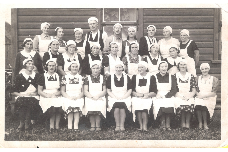 - Hospital Workers   - circa 1940  - Estonia